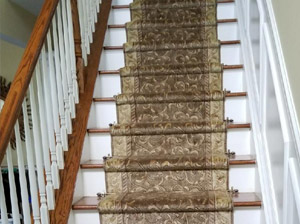 Nourison Somerset ST02 Khaki with Zoroufy stair rods and pineapple finials